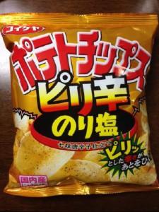 ポテトチップス ピリ辛のり塩